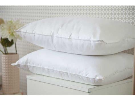 Hotel Pillows Uk by Belledorm Hotel Suite Cluster Fibre Pillow Pair