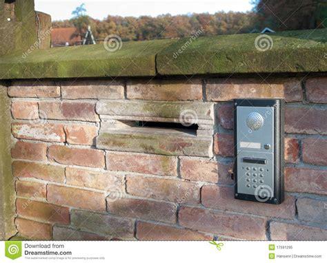 cassetta postale con citofono citofono con la cassetta postale immagine stock immagine