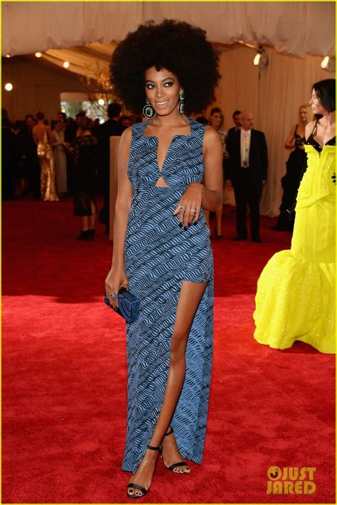 african american red carpet looks beyonce met ball 2013 red carpet with solange knowles