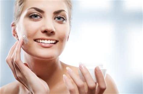 Bedak Berassari Bengkuang Bedak Dingin manfaat bedak dingin bagi kecantikan wajah ciricara
