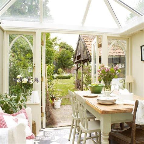 come arredare una veranda aperta arredare una veranda a vetri la figurina