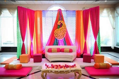 Henna Decorations by 20 Eye Refreshing Mehndi Decoration Ideas Sheideas