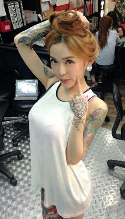 Hot Tattoo Artists | sexy tattoo artist tattooed females pinterest