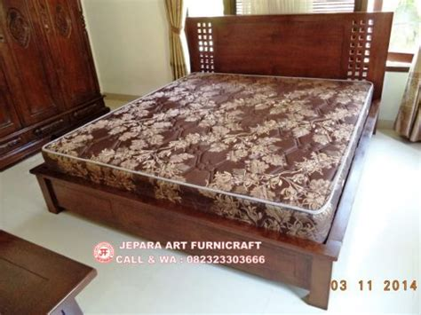 Dipan Kayu Bandung dijual tempat tidur minimalis jati kotak harga murah