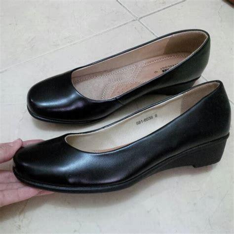 jual sepatu wanita hitam pantofel merk bata shop