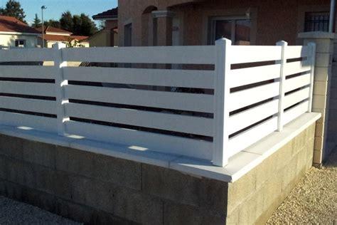 Barriere De Jardin Pvc by Cloture Pvc 1m