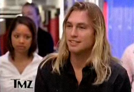 Who Is The Blond Guy On Tmz At Rencsi | max hodges the blond surfer guy on tmz