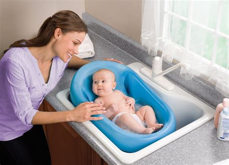 newborn baby bathtub summer infant cushy cradler newborn baby bath review