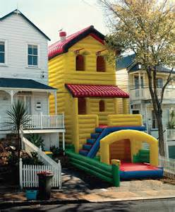 Big Backyard Solowave The Best Neighbor Ever Probably Lives In This Inflatable