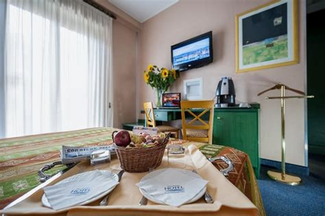 best western mediterraneo catania 3 hotel s rooms in the centre of catania bw hotel