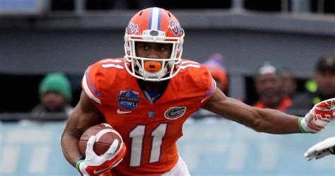 how to be a better wide receiver expect better wide receiver play at florida jim mcelwain
