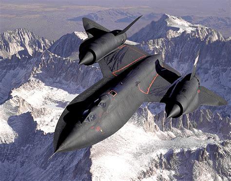 the flight of the blackbird cool stuff flying the plane sr 71 blackbird
