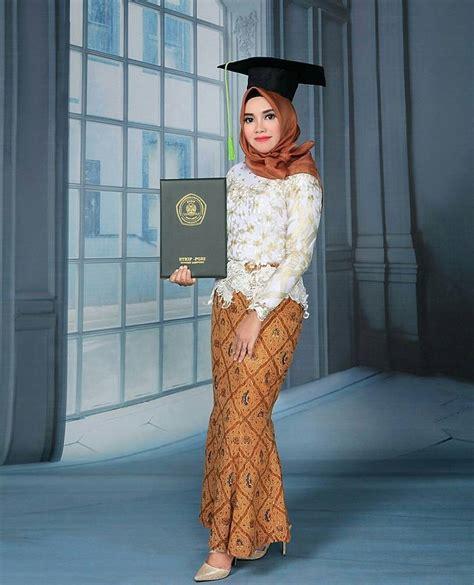 membuat warna coklat tua kebaya wisuda kebaya wisuda muslim berbahan brokat warna