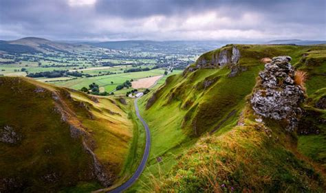 Landscape Uk The Best Spots To Visit In The Peak District In Derbyshire