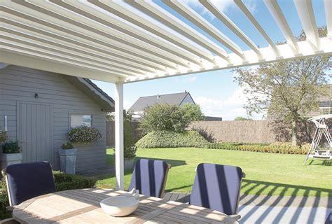 lamellendach terrasse preise algarve alu terrassendach mit flachen sonnenschutz lamellen
