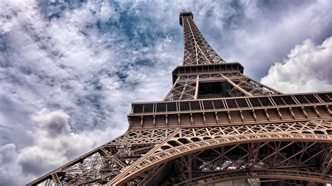 No Pictures Of Eiffel Tower At