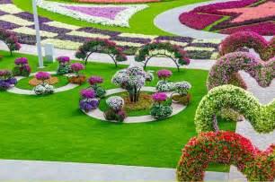 World Largest Flower Garden In Dubai Dubai Miracle Garden World Flower Garden