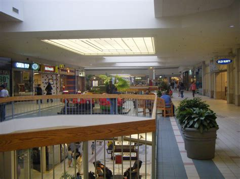 brio quakerbridge mall file quaker bridge mall 2nd floor from sears jpg
