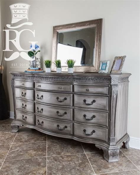 best paint for refinishing dresser dresser painted in annie sloan chalk paint french linen