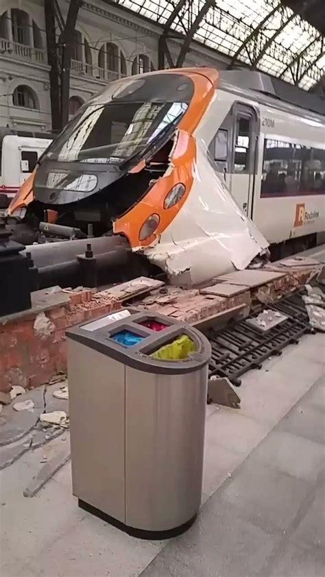 hässliche häuser mi tren ha chocado al llegar a estaci 243 n de francia hoy