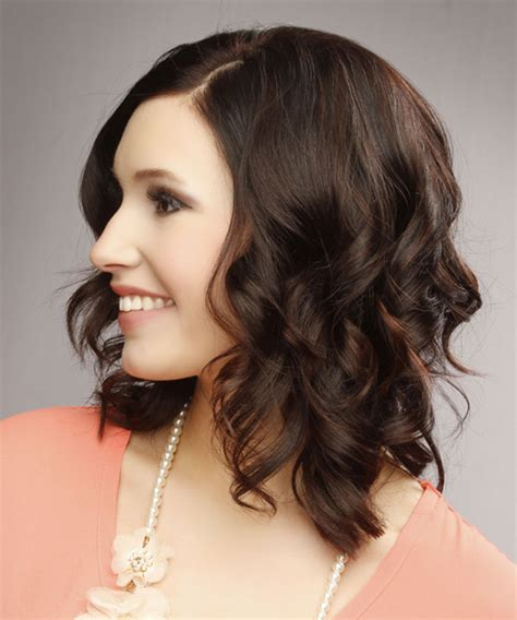 casual hairstyles for brunettes medium wavy casual hairstyle dark brunette