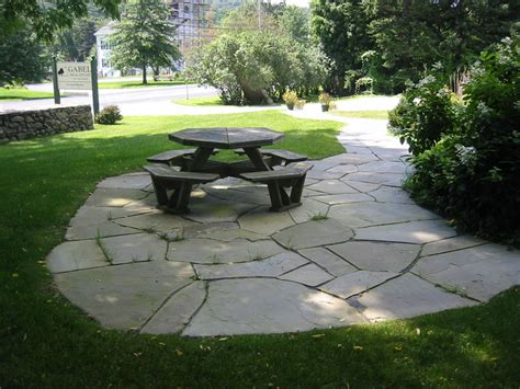 Stone Patio Pictures   Natural and Square Cut Flagstone Patios