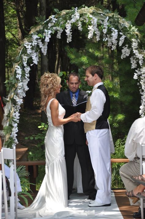 Wedding Arch With Wisteria by Wedding Arbor Ideas Ooh Maybe In Lilacs And Fewer Of