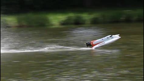 boat crash you tube rc racing boat crash jump youtube