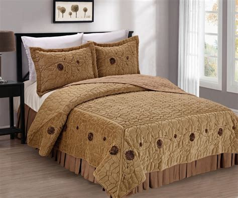 beautiful coverlets 11 cute bedspreads for a beautiful bedroom