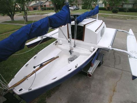 rc boats for sale ns the versatile sea pearl trimaran small trimarans