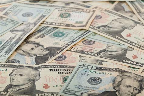 Price In Dollars Price Recovers As Dollar Weakens Against