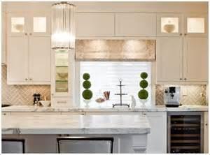 Herringbone Kitchen Backsplash by Herringbone Backsplash Home Accents Pinterest