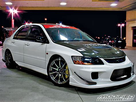 modified mitsubishi lancer 2005 2004 mitsubishi lancer evolution viii modified magazine