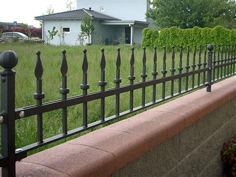ringhiera in ferro prezzi recinzioni ringhiere in ferro battuto catalogo preventivo