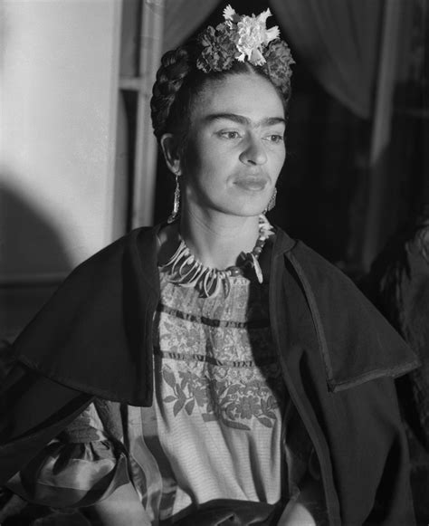 frida kahlo biography wiki newsela artists frida kahlo