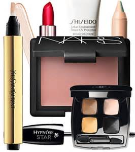 what makeup do i need 10 essentials for every