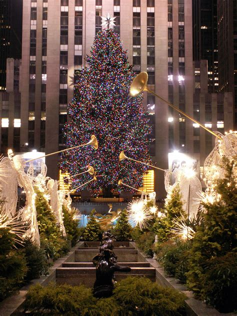 the christmas tree at rockefeller center rockefeller