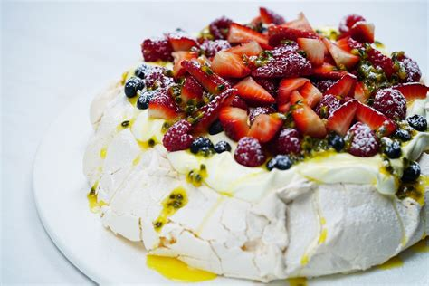 Pavlova For Pavlova by Easy Australian Pavlova Recipe