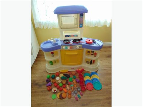 play family kitchen little tikes loaded with food dishes