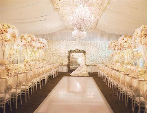 Luxurious Chandeliers Luxurious Wedding Reception Inspiration The Wedding Playbook
