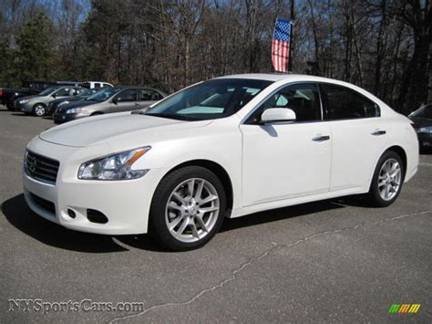 new nissan maxima white 2010 nissan maxima 3 5 sv in winter frost white 811187