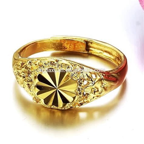 Stunning ring for newlyweds: Engagement ring prices in