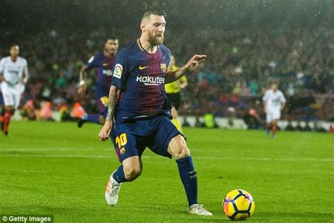 messi biography in afrikaans messi for life barcelona renewed deal until 2021