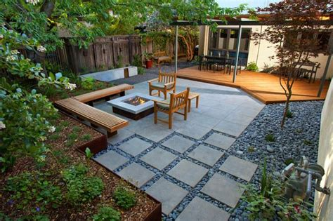deck to patio transition idea for brunswick flat slabs as a transition from the deck to the yard exterior homescape