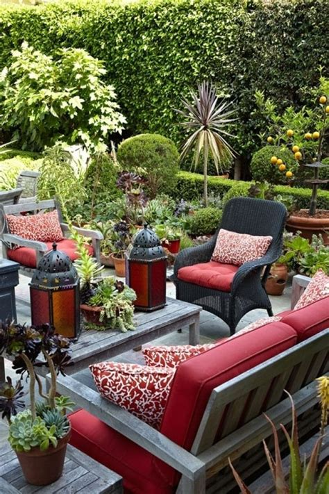 moroccan themed patio and garden yard and gardening