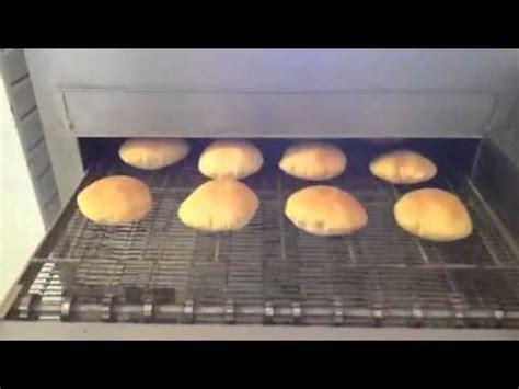 youtube vidio forno forno de esteira jjac assando pao sirio youtube