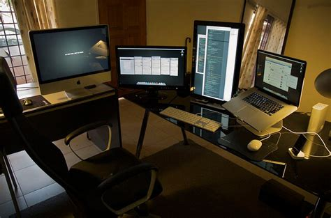 Programmer Desk Setup 12 Amazing Web Development Workstations 183 Raygun