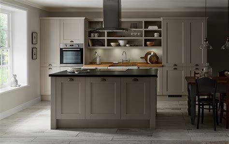 howdens kitchen cabinets fairford cashmere kitchen from the shaker collection by