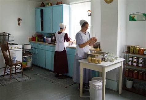 amish country kitchen an amish day
