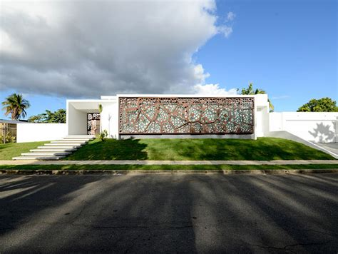 Gardenia Diaz Award Winning Villa Wrapped In Sculptural